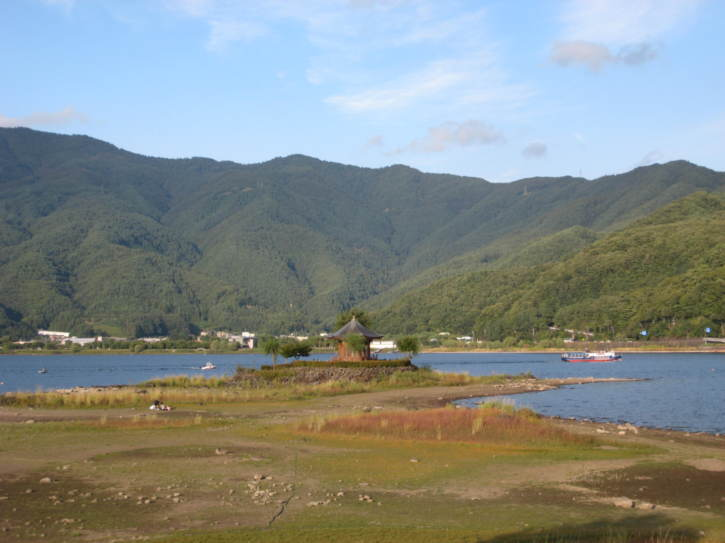 View from the south shore of Lake Kawaguchi