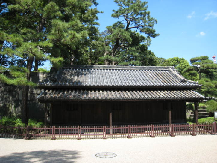 Building in Imperial Palace East Garden