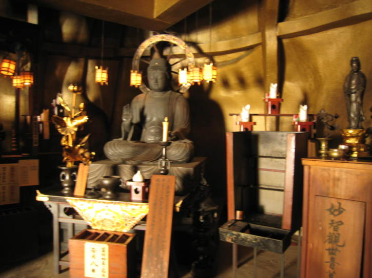 Room inside the Ryozen Kannon Statue