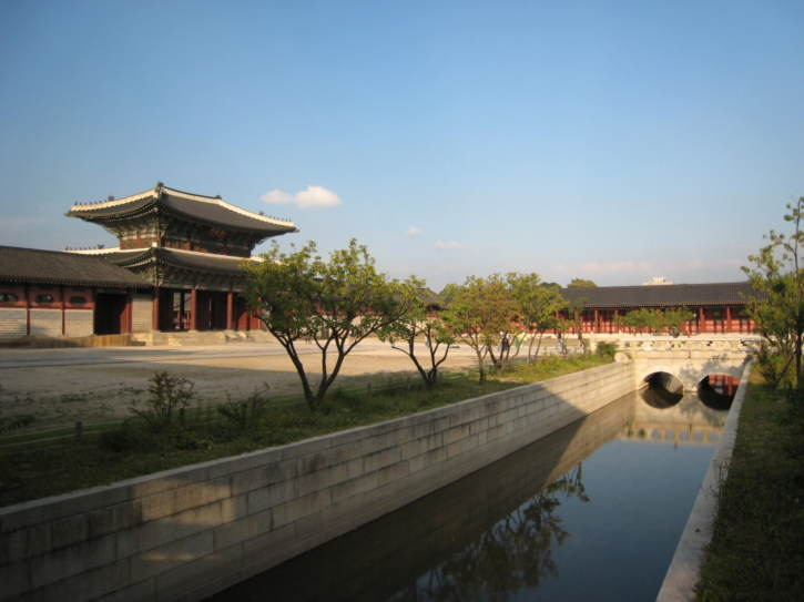 Moat around Gyeongbokgung Palace