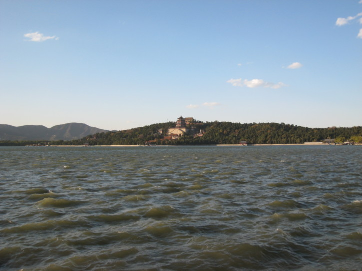 A rough Lake Kunming