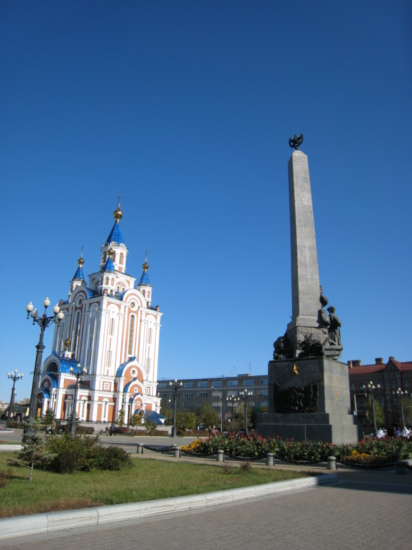 Church and monument on Komsomol Square