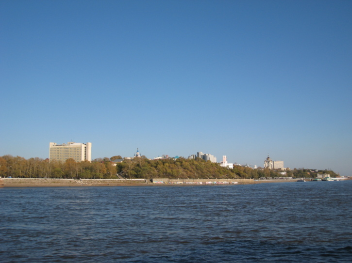 The city seen from the river
