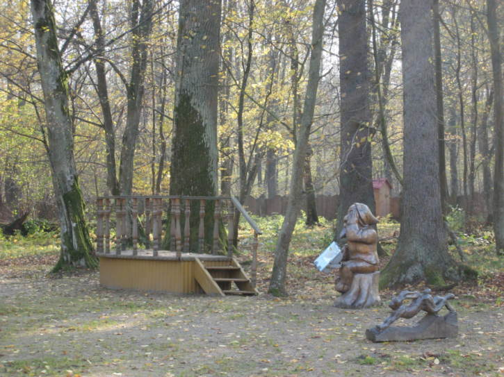 Month statues from a Belorussian fairytale
