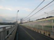 Train crosses the Han River