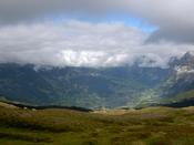 Wider shot of the Grindelwald valley